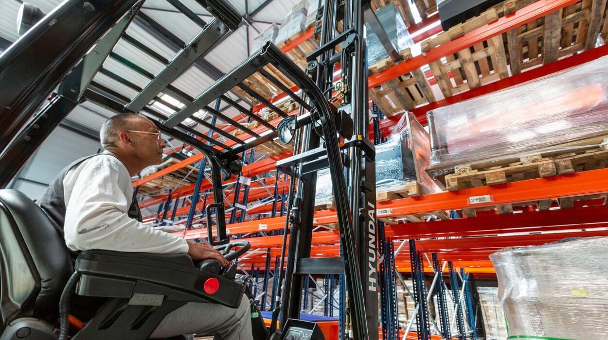 Sogranlotrans prestation logistique stockage rack palettes